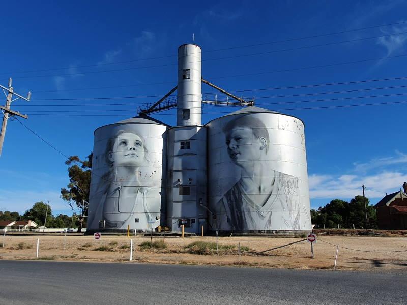 rupanyup silo art